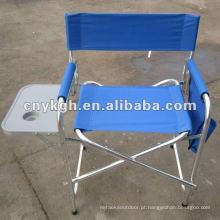 Cadeira dobrável de diretoria com mesa lateral