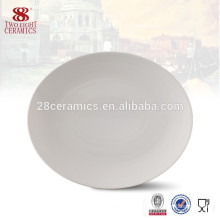 Microwave pasta catering white round plates
