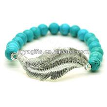 Turquoise 8MM Perles rondes Stretch Bracelet en pierres précieuses avec diamant en plume en alliage Pièce