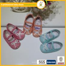 Großhandelsheiße Verkaufsqualitäts reizende Mischungsfarben-Babyschuhe