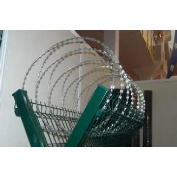 Высокий уровень безопасности и качественный оцинкованный металлический забор для аэропорта
