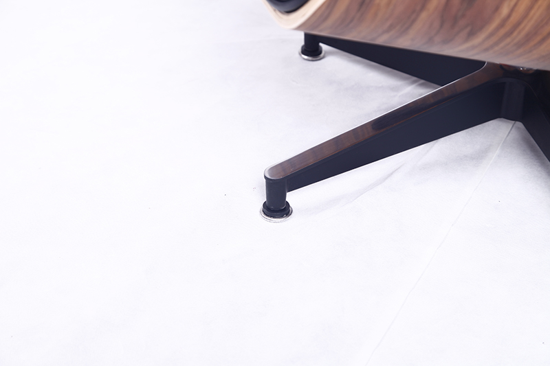 Details-Eames-Chairs-4