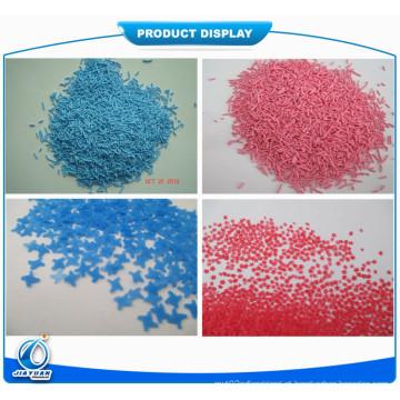 Salpicos azuis para o uso do pó da lavanderia
