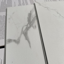 Dekorativer Home Marmor weißer SPC Steinboden