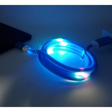 Sprachsteuerungs-LED fließt Micro-USB-Kabel blau