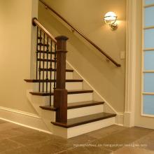 Diseños de escaleras interiores de madera maciza