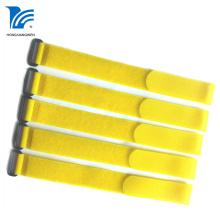 Желтый нейлоновый ремешок с крючком и петлей