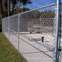 High quality low carbon steel wire chain link fence