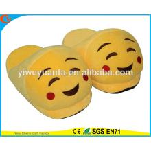 Hot Sell Novedad Diseño Shy Cara Emoji zapatilla