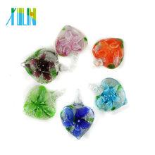 Esmalte Luminosa Amor Coração Lampwork Pingentes com cores misturadas flor interior 12 pçs / caixa, MC0104