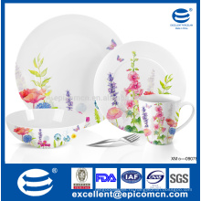 Легкая супербелая фарфоровая посуда с цветочными мотивами для вечеринки в саду
