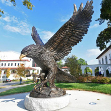 große Außenskulpturen Metallhandwerk Bronze große Adler Skulptur