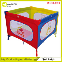 Colchão europeu da espuma padrão da venda quente para o playpen do bebê