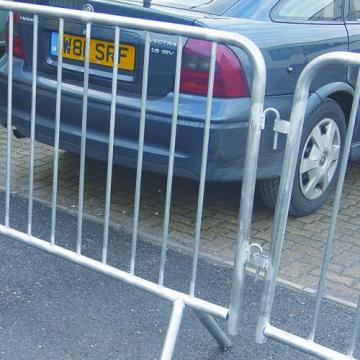 Galvanized Crowd Control Traffic Safety Barrier berkualitas tinggi