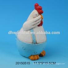 Синий керамический декор с дизайном крана