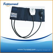 Type de couverture en plastique blanc de grande qualité Sphygmomanomètre anéroïde