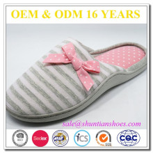 Manufacturer custom fluffy indoor woman slippers