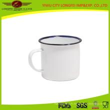 Tasse d'émail latérale intérieure et extérieure de couleur blanche