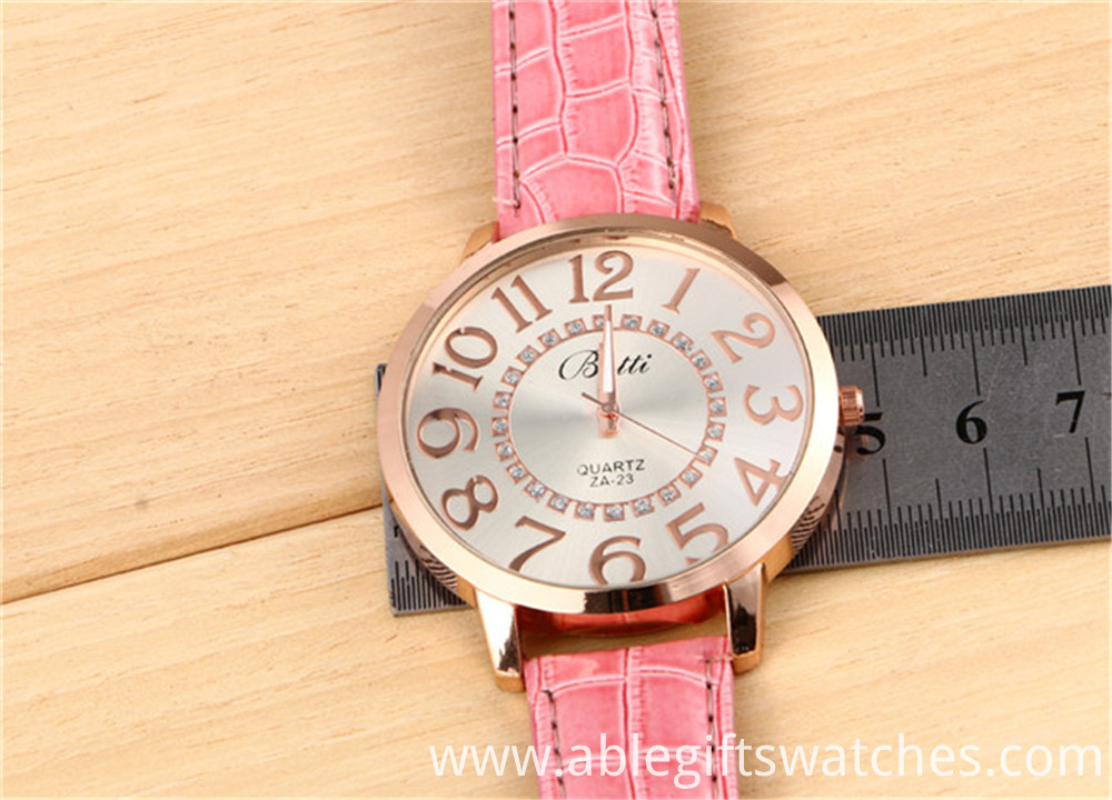 leather quarzt watch