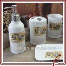Керамическая ванная комната с цветочным декором