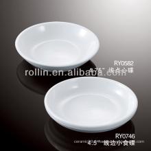 Cuisinière en porcelaine blanche et durable