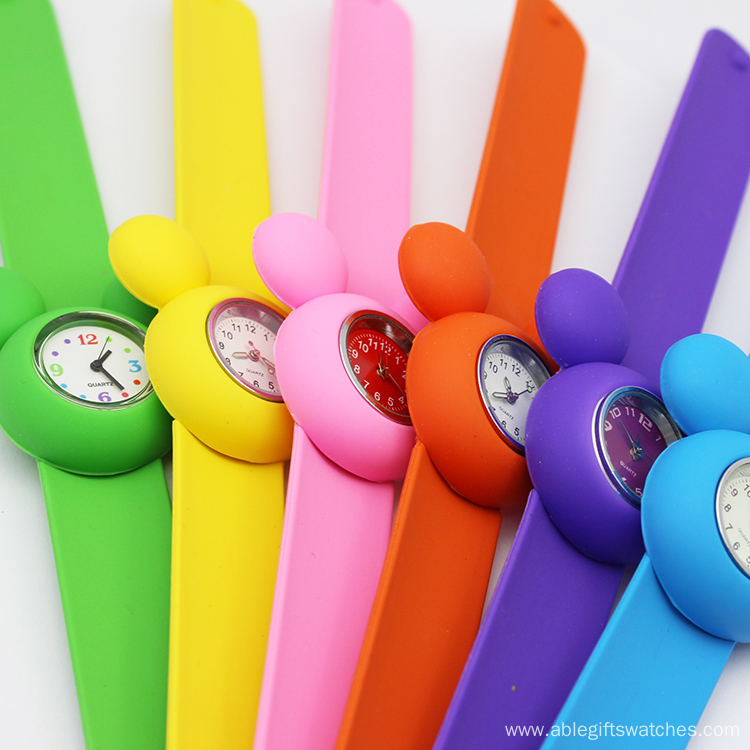 2016 Hot Sale Colorful Kids Silicone Vogue Watch