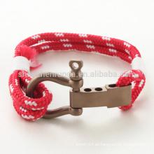 Venta al por mayor de acero inoxidable de moda rosa de oro con pulseras de cuerda roja pulsera de manguito con accesorios de gancho hombres