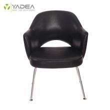 Elegante sillón ejecutivo de cuero genuino Saarinen