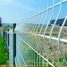 Bend white pvc coated wire mesh fence