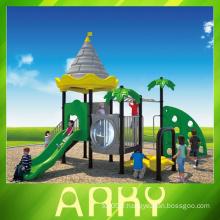 Aire de jeux infantile riche en plein air
