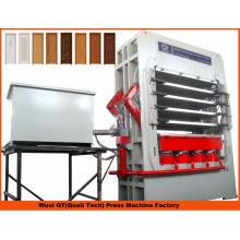 Holzbearbeitungsmaschinen Vakuum-Laminierung / Türhaut hydraulische Heißpressmaschine