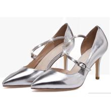 Scharfe Zehe-Frauen-Sandaletten