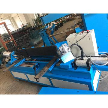 Máquina de costura de condutas