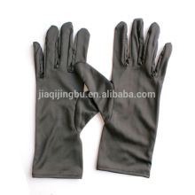 microfiber gloves of suede material