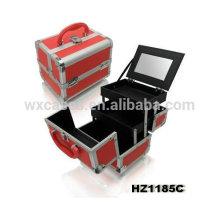 caso cosmético vermelho com 2 bandejas e um espelho dentro
