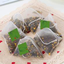 Pirâmide de saquinhos de chá com sabor