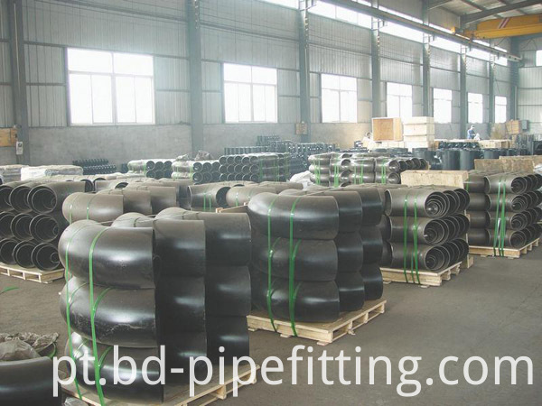 Alloy pipe fitting (11)