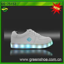 Heißer Verkauf Mode Erwachsene LED-Licht Schuhe Casual für Männer