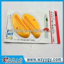 Популярные пользовательские пластиковые зубной пасты соковыжималка для продвижения
