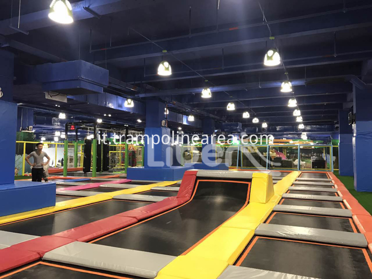 kids outdoor trampoline park