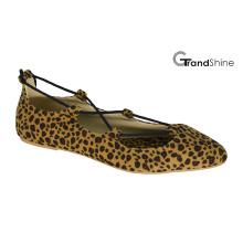 Женская обувь из плотной ткани с остроконечным пальцем