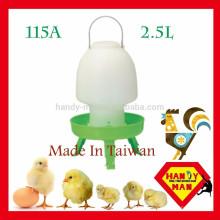 Pequena bebida de plástico médio tipo bola com 3 pernas Poultry Drinker
