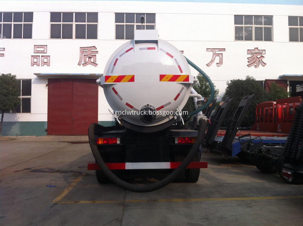 industrial vacuum trucks 4
