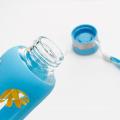 Bouteille en verre de l'eau qui respecte l'environnement, bouteille de silicone de sport