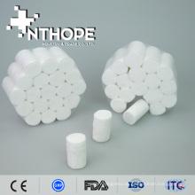 Gebleichter weißer zahnmedizinischer Baumwollrollenservice für Zahnheilkunde