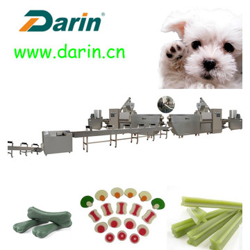 Collation de chien de festin d'animal familier prolongeant la ligne produisant la machine