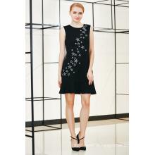 Solid Pep Hem Kleid mit Sternform Stickerei durch