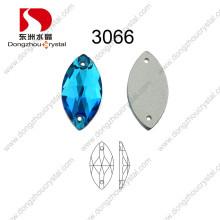 La venta al por mayor decorativa sin plomo de China coser en el diamante artificial para el vestido de boda
