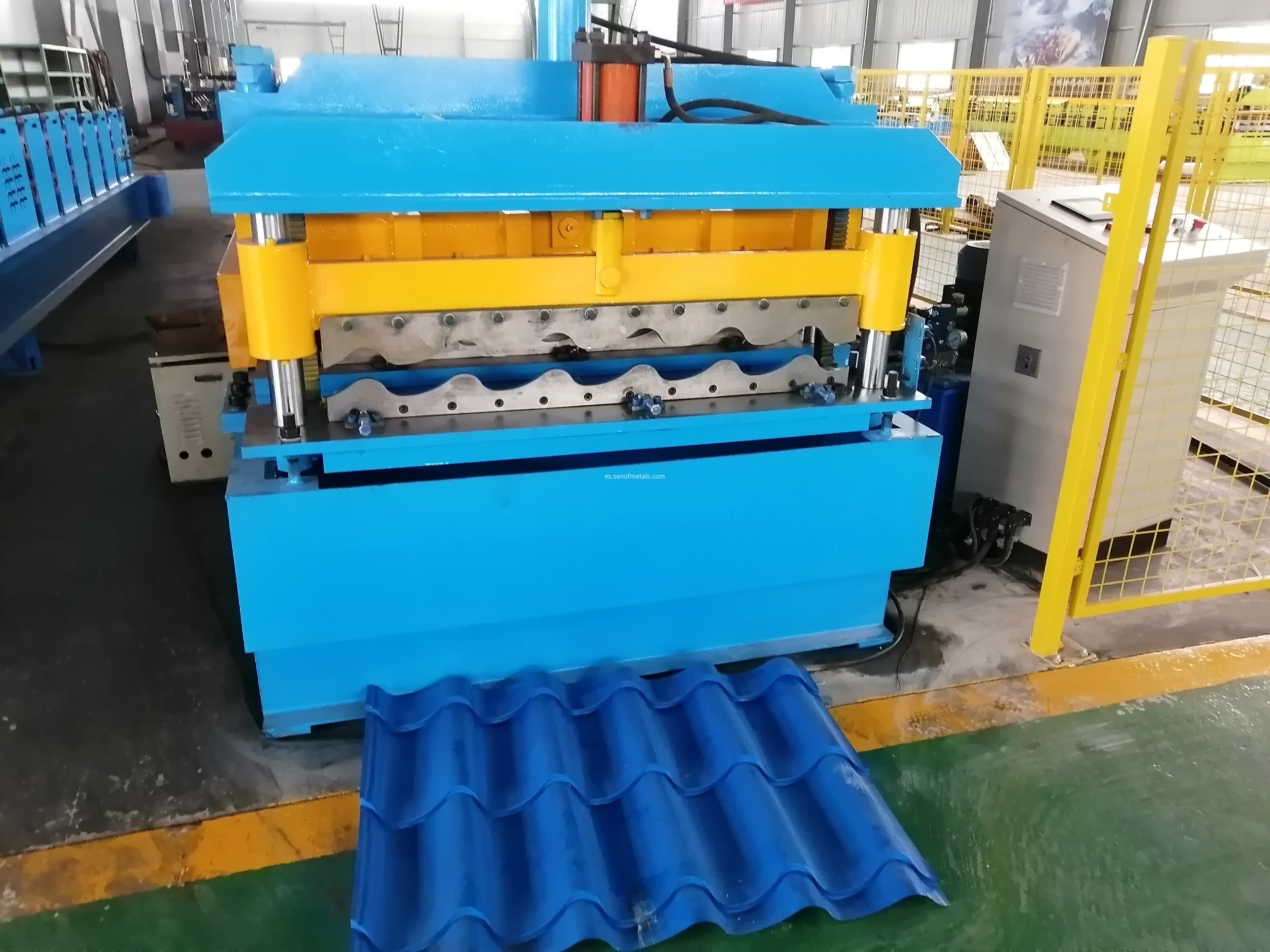 Glazed tile forming machine cutter