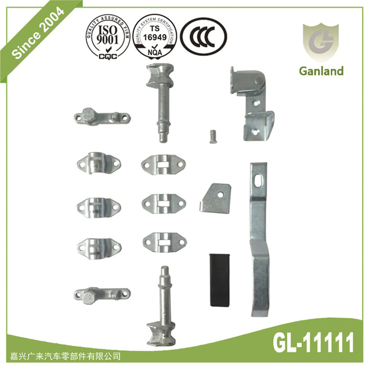Truck rear door locking gear